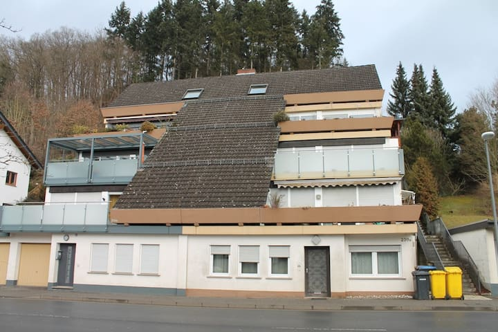 Penthouse Room with Nürburgring-View! - Adenau