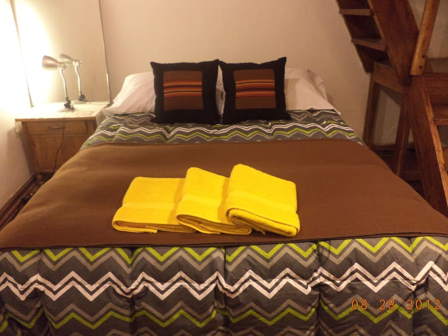 SECOND BEDROOM WITH A QUEEN SIZE BED FOR UP TO 2 PEOPLE