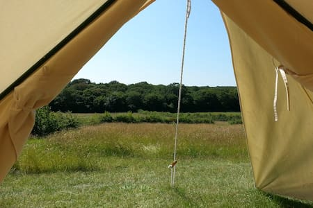 BleanBees Eco Glamping - Canvas Bell Tent - Denstroude - 帐篷