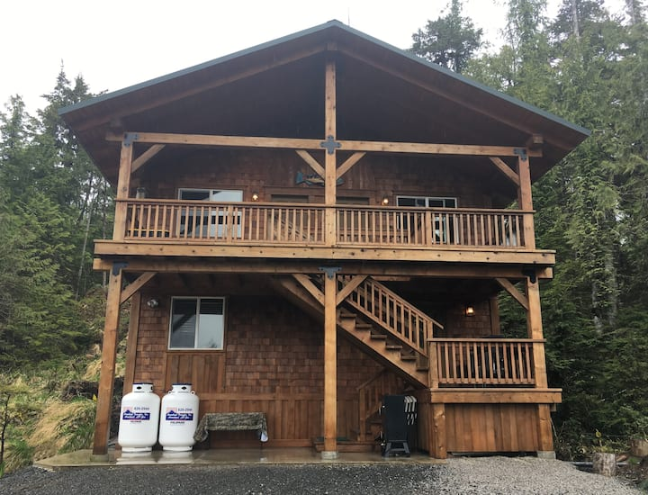 Hatchery Creek @ Whale Pass....Creekside cabin