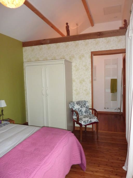 Chambre d 39 h tes caen mondeville bed breakfasts for - Chambre d hotes caen ...