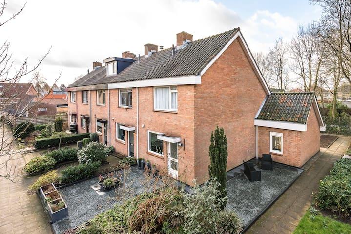 Fijn huis in groene omgeving van Nijkerk.