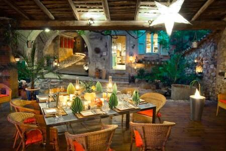 la vieille maison - chambre orange - Durfort-et-Saint-Martin-de-Sossenac - 住宿加早餐