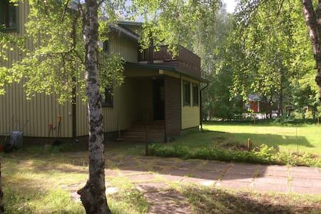 Viihtyisä omakotitalo Ivalossa Cozy house in Ivalo - Inari
