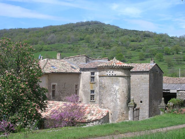 DOMAINE DU CLAP - Pranles - Bed & Breakfast