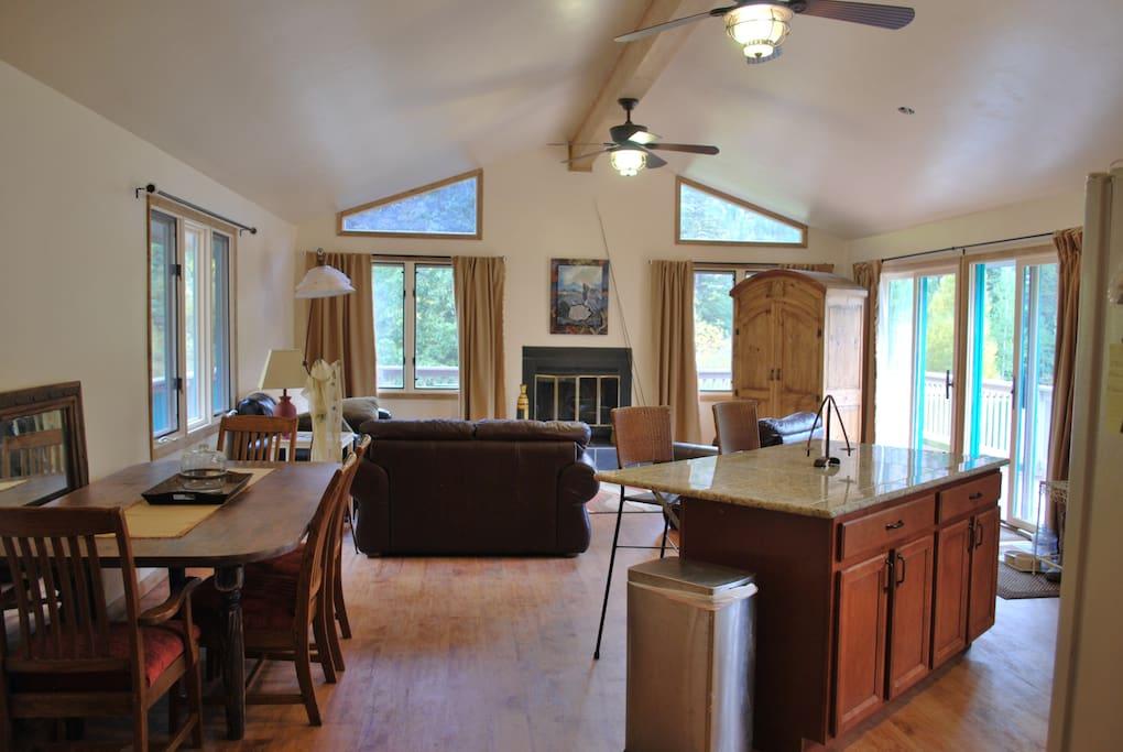 Lakefront Ouray Colorado House 2br