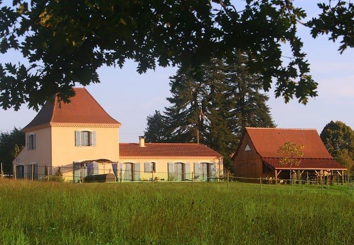 Chambres d'hôtes La Rolandie haute - Limeuil - Bed & Breakfast