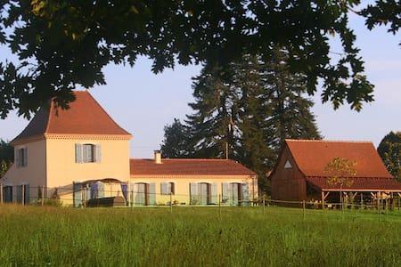 Chambres d'hôtes La Rolandie haute - Limeuil - ที่พักพร้อมอาหารเช้า