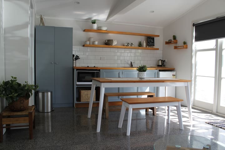 Modern Te Atatu Peninsula Studio - Auckland - Casa de hóspedes