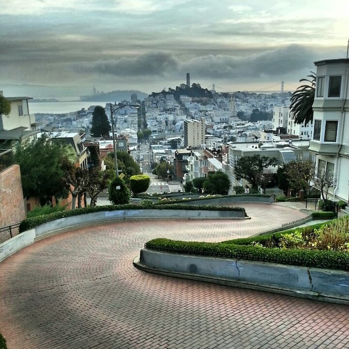 Photo of Lombard Street in Russian Hill