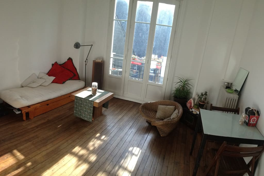 Living room (there is a new sofa now)