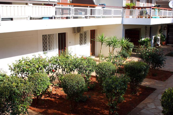 1 bed flat opposite beach in Voula, Athens