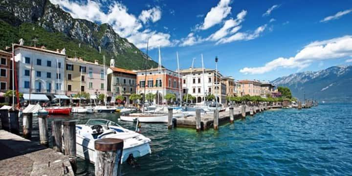 Charming town house in Gargnano 20m to Lake Garda