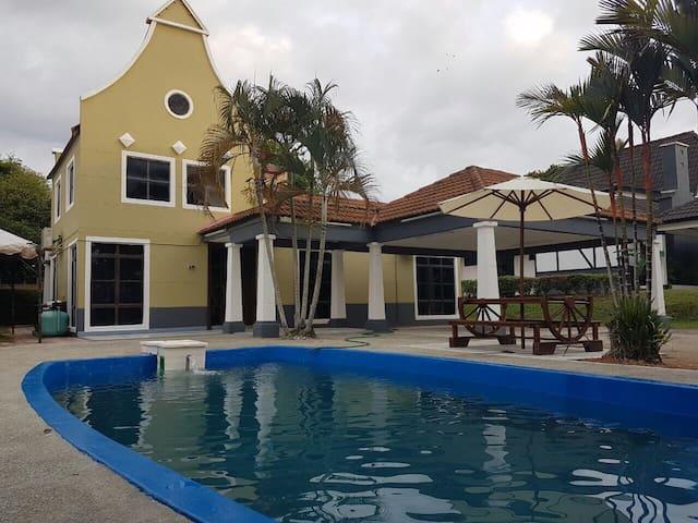 Charming villa a famosa golf resort - Alor Gajah - Villa
