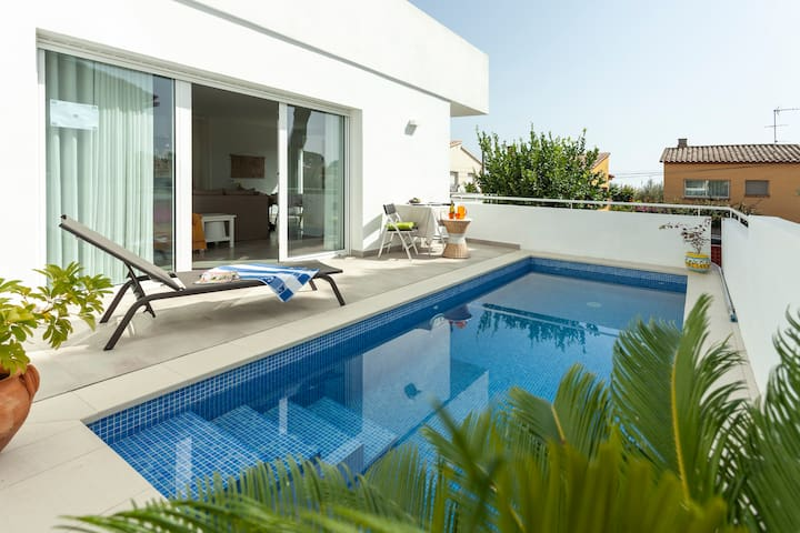 VILLA SUNNY ★ Spectacular Villa with private pool. FREE WIFI. 7PAX