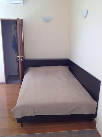Комната 1 у моря 1 эт. 3-этаж. дома, Нижняя Хобза - Sochi - Apartamento