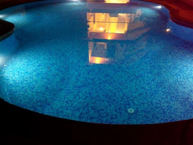 Pool view Apartment near Beach - Anjuna - Pis