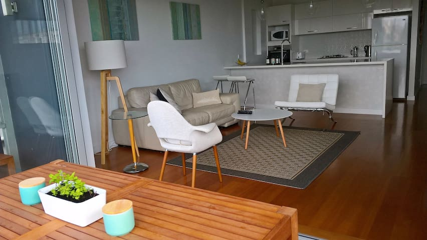 Modern Spacious Lux Clean Eastern Beaches 1 Bdrm - Waverley