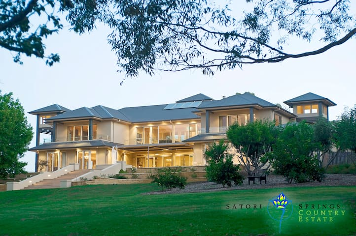 Satori Springs Country Estate - Premier Property - Canyonleigh