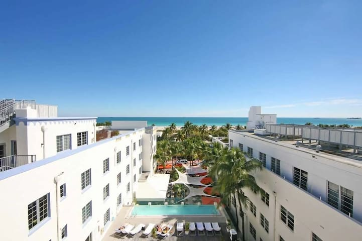*Comfy loft Next To Ocean Drive South Beach Miami*