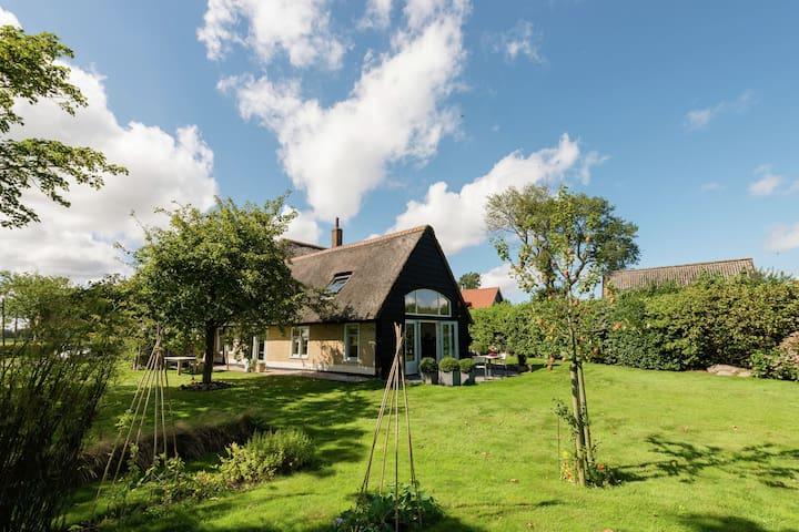 Charming farmhouse annex near the Wadden Sea