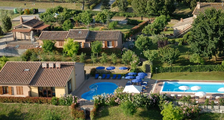 Family apartment AC wifi and pool - La Capanna