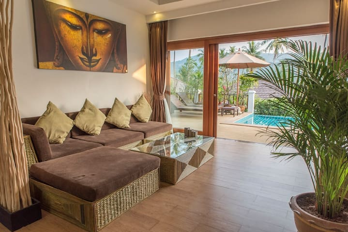 1 bedroom Deluxe villa w/ private pool and garden