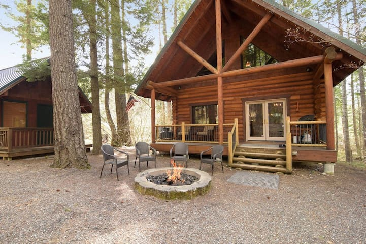 Affordable Kid Friendly Cabin in the Woods Near Suncadia & Lake Cle Elum