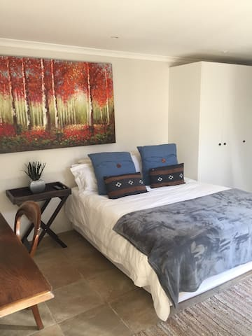 Spacious Living in the heart of Craighall - Randburg - Lejlighed