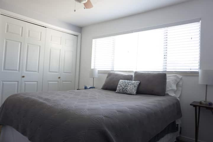 Private Comfy Room, Queen Bed. Orem/Provo