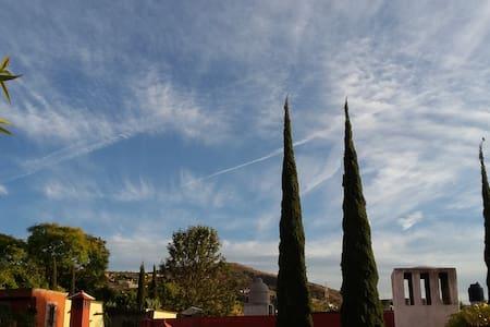 CASA SAUCE. Habitación privada 1 - San Miguel de Allende