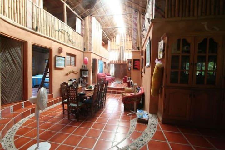 Rio nexpa rooms - Lázaro Cárdenas - Casa