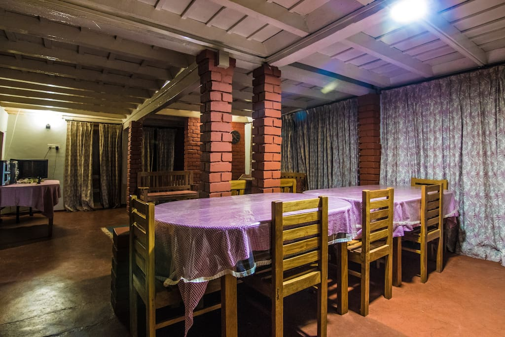 Enjoy the delicacies of coorg at the dining portion
