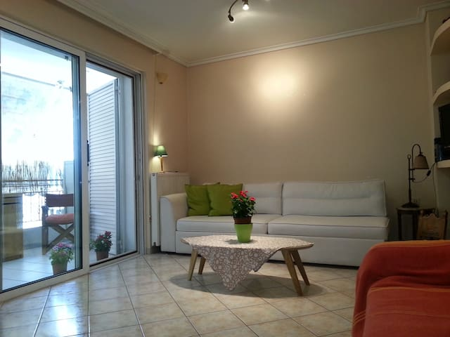 Lovely Apartment near Acropolis and Plaka - Athina - Apartemen