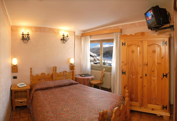 camera a 100 metri dalla seggiovia - Borgata Sestriere - Bed & Breakfast