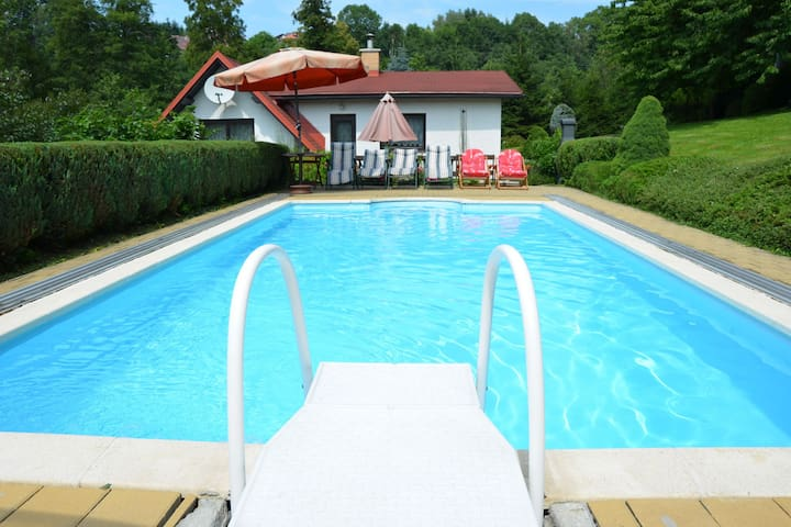 Comfortable chalet with pool and table tennis in the bohemian paradise
