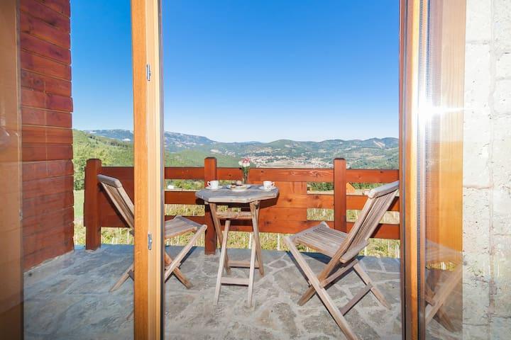 Gacka - Luxury Cottage with One Room and Balcony