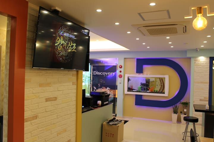 """""""DiscoveryBusan""""- Delux double room (1 double-bed)"""