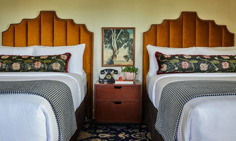 Graduate Double-Double, Cozy Hideaway For a Couple O' Travelers-  Advance Purchase