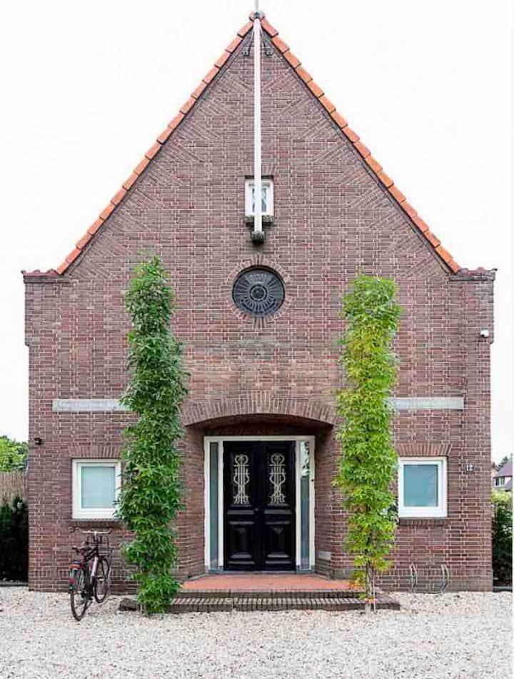 Je vrije dagen doorbrengen in een luxe kerk-huis