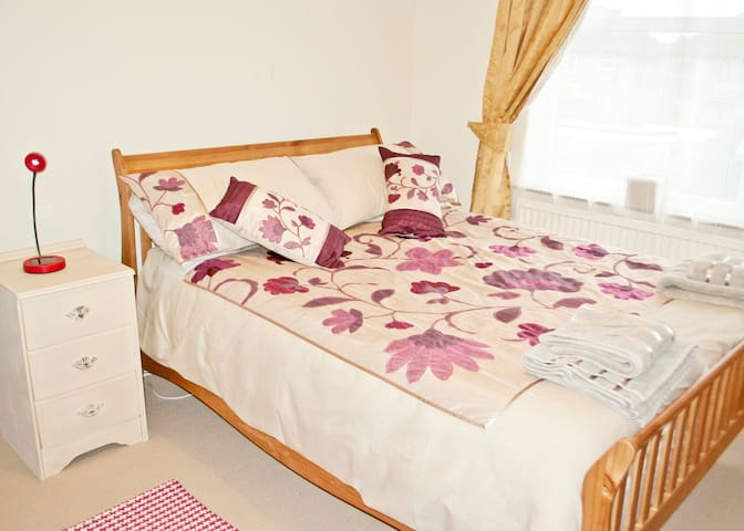 Spacious Double Room in Oxford - 옥스포드(Oxford)
