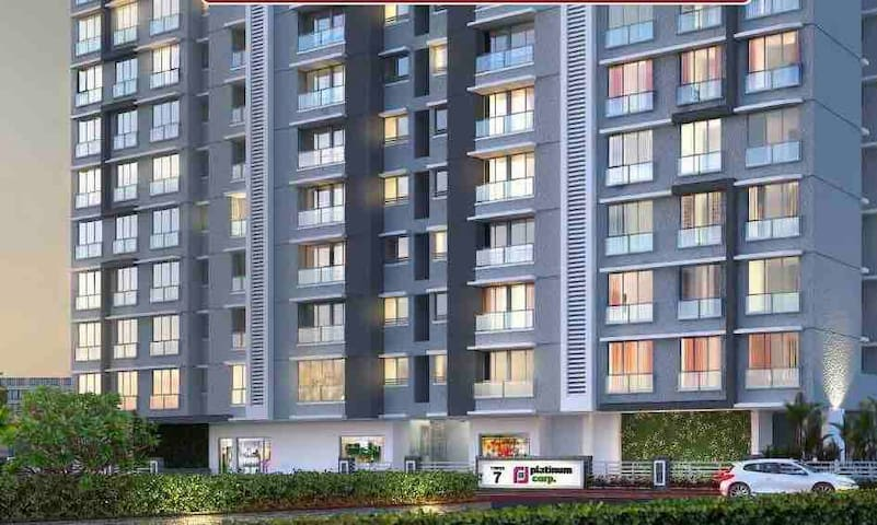 Modern open plan 1-BHK centrally located!