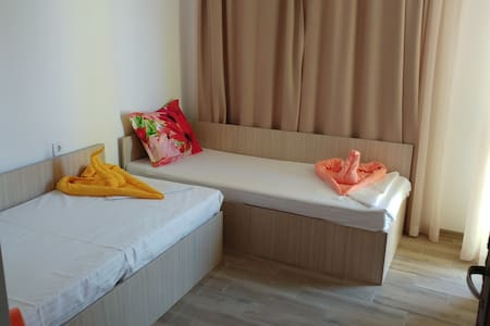 Double Room 2 in Sunny House In Chernomorets - Chernomorets