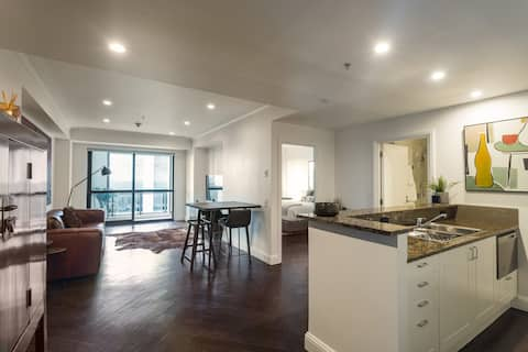 Bright and spacious general view of the apartment