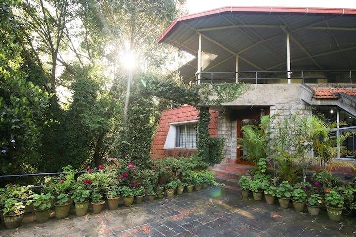 Chikmagaluru Homestay: Serene Mansion 3