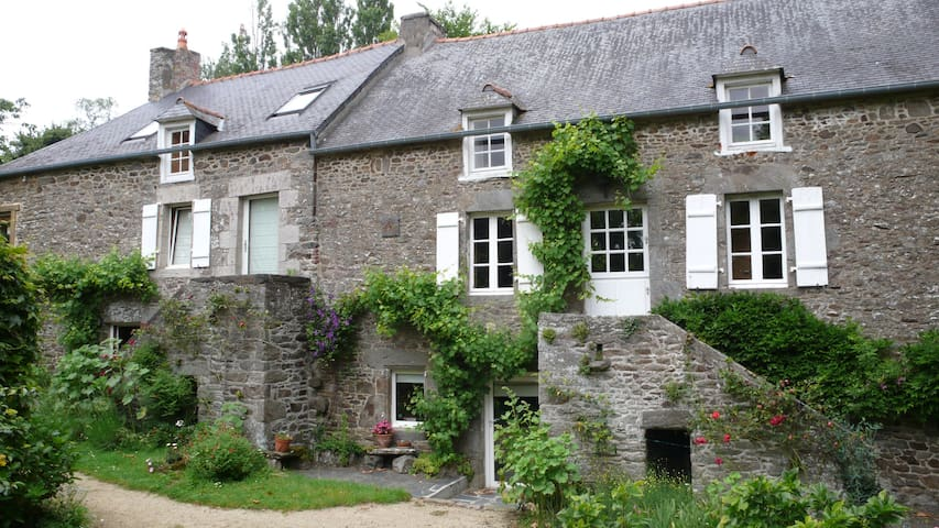 Maison de caractère proche St-Malo - Plouër-sur-Rance - Rumah