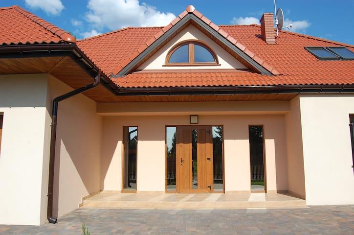 Dom Chotomów - Chotomów - Дом