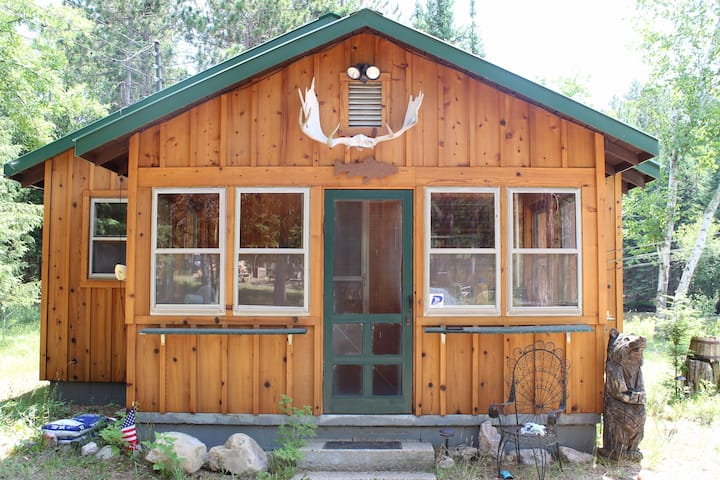 Cabins 10ft from the Ausable River - Large groups