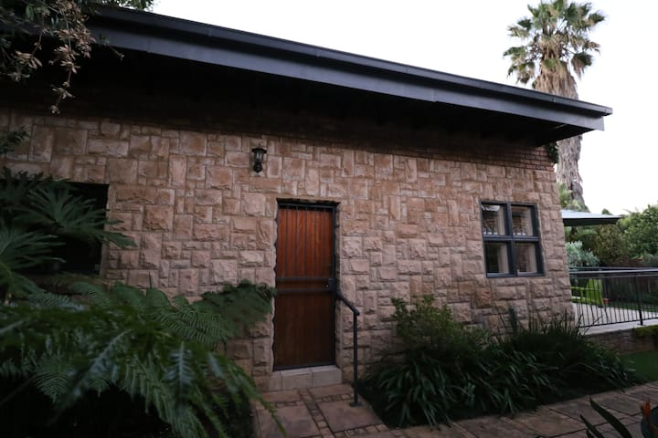 Zome, your home away from home - Pretoria - House