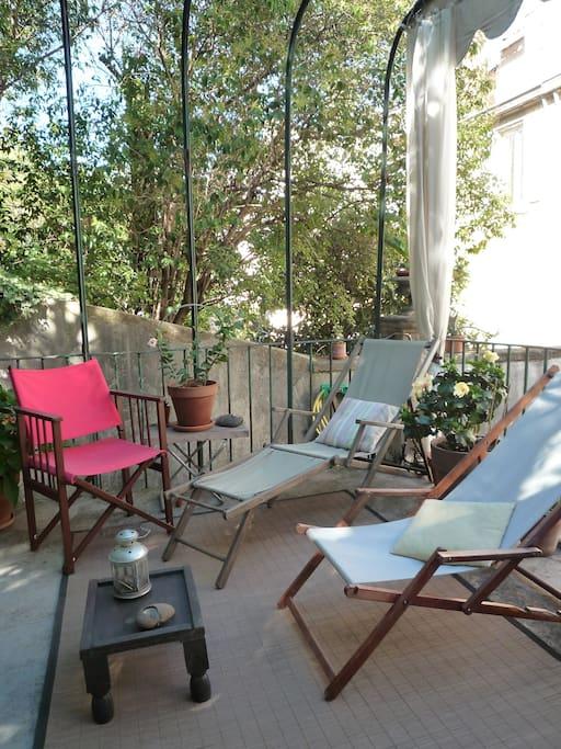 Jardins suspendus en centre ville appartements louer for Location appartement marseille terrasse en ville